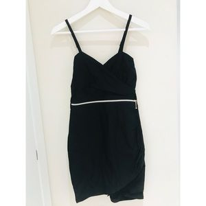 Dresses & Skirts - Black Strappy Dress with Zipper Size S